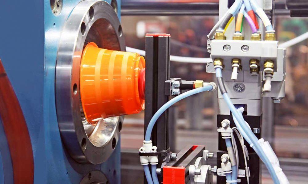 mercato macchine lavorazione plastica
