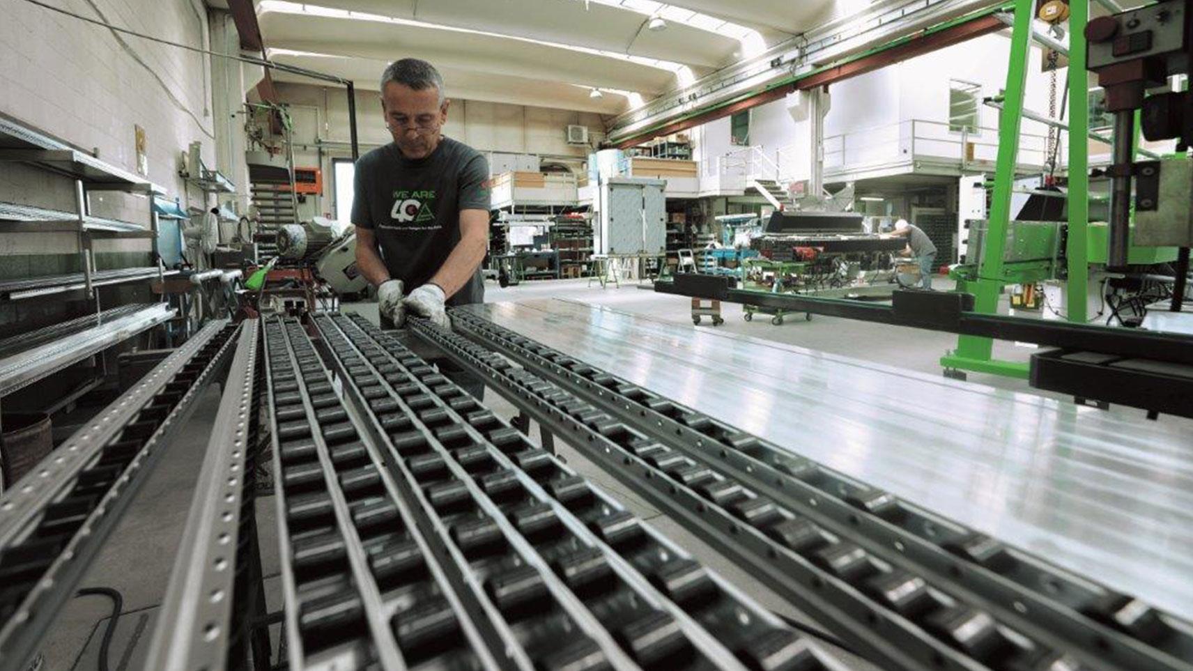 Macchine per la lavorazione del vetro piano. Scopri la gamma della Adelio Lattuada!