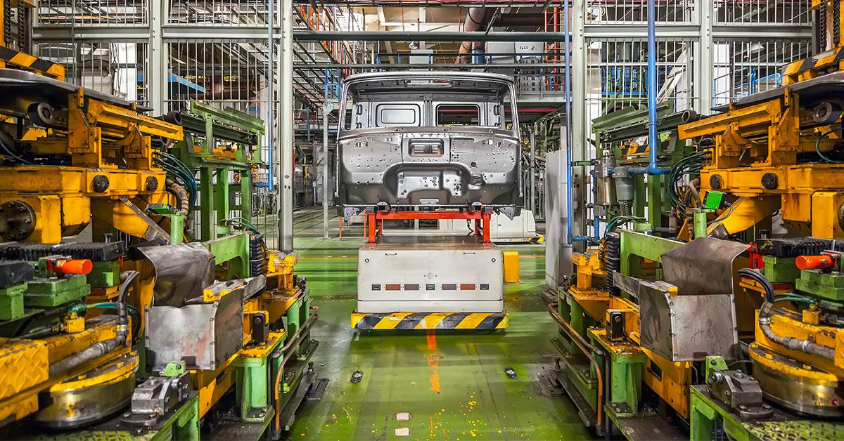 Industria italiana: parco macchine più automatizzato, ma invecchiato